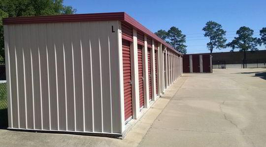 Happy Storage Customers in Montgomery, AL - clean storage facilities lead to customer satisfaction