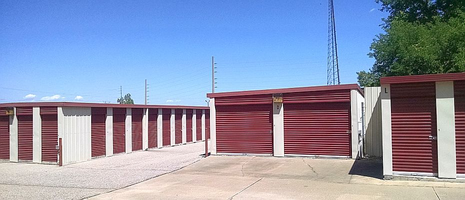 Self Storage Montgomery AL - outside self storage units and buildings